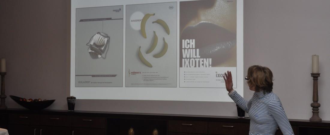 Marke Hohmeier stellt ihre Arbeit für die Pharmabranche vor